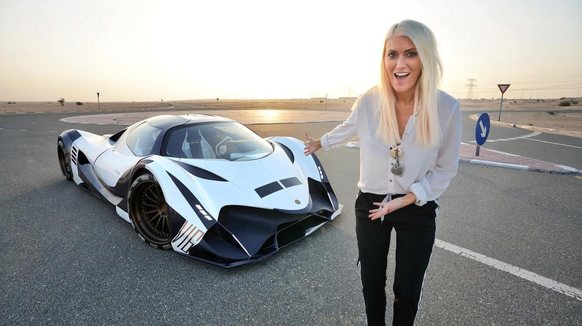 Read Earning A Staggering 1 4 Million A Year Supercar Blondie Is The Best Paid And Most Influential Motoring In 2020 Super Cars Rich Lifestyle Luxury Instagrammer