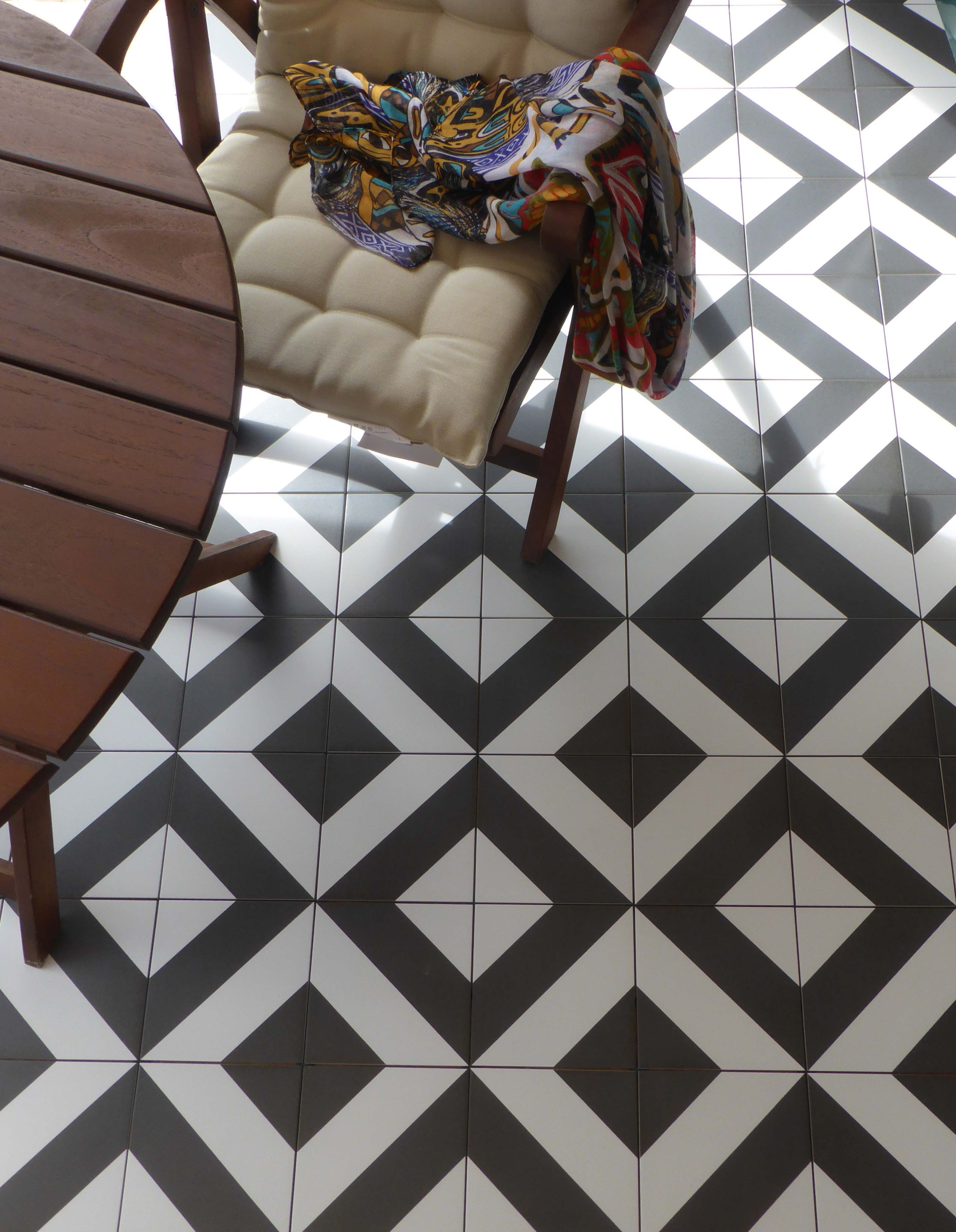 D cor diago noir ceramic tiles from neocim collection by for Carrelage kerion