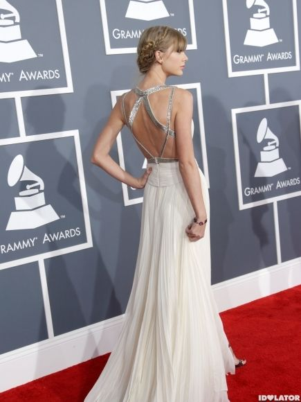Really love the diamond pattern in the back if Taylor's Grammy gown-great choice. Her style has definitely evolved.
