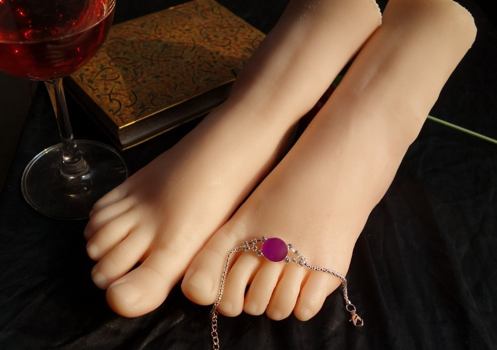 Toe and foot sex with jewlery