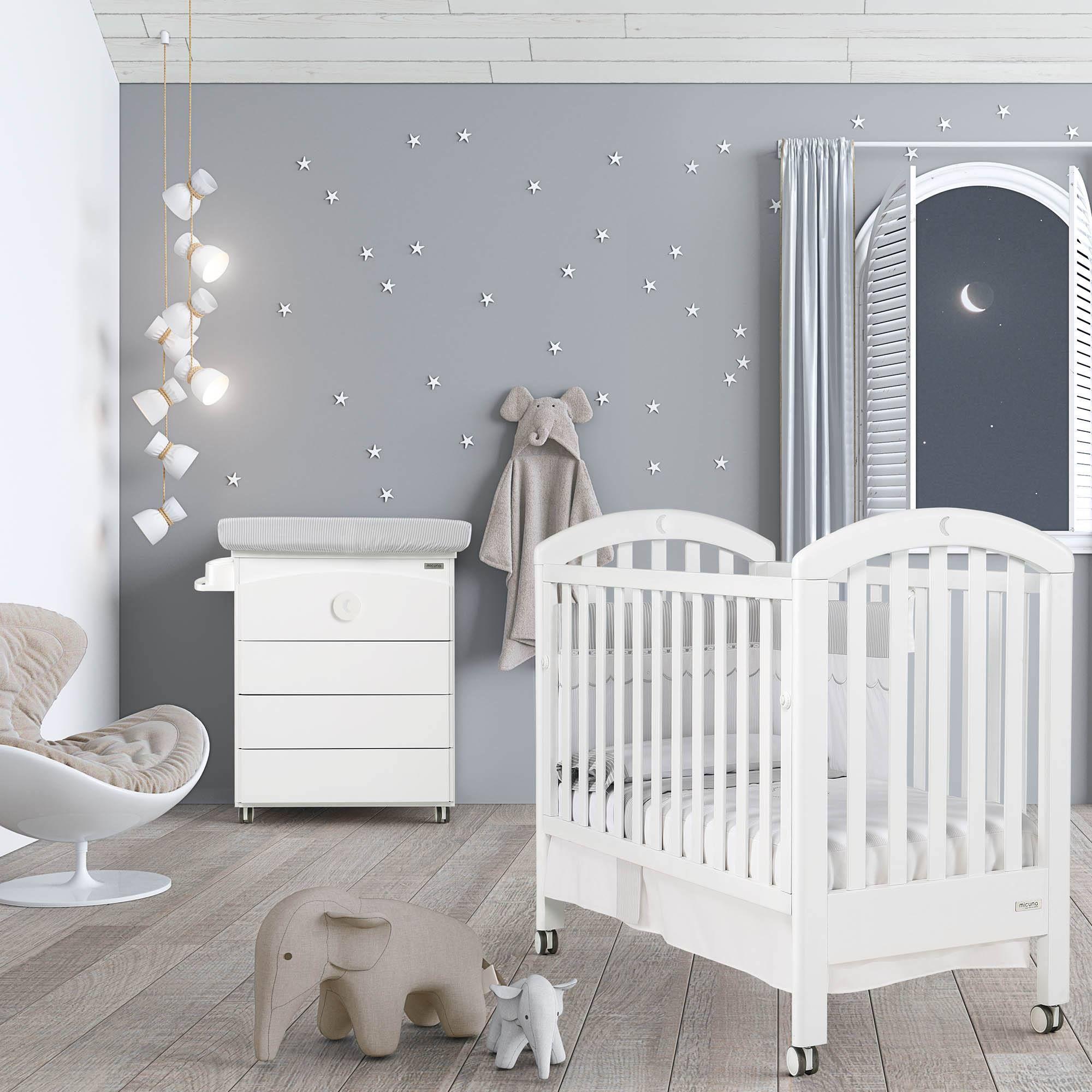 La Chambre bébé lit et commode White Moon Swarovski de #Micuna ...
