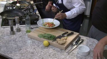 Greatest Grains: Caprese garlic bread with balsamic avocado sauce | WQAD.com