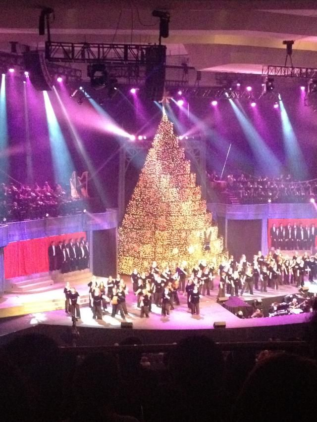 Singing Christmas Tree - Bellevue Baptist Church - Memphis, Tennessee - Bellevue Baptist Church's 'Singing Christmas Tree' Is A Must-See