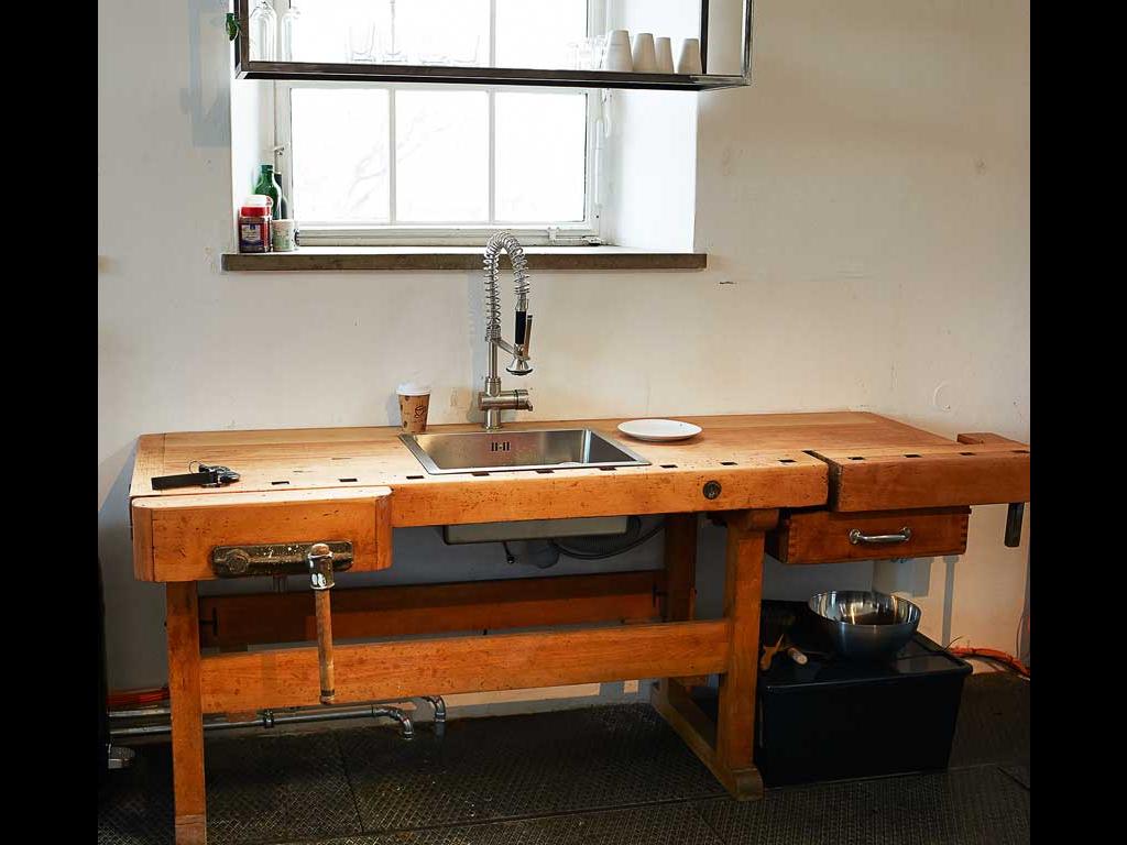 alte werkbank neu genutzt hof und garten pinterest alte werkbank alter und neuer. Black Bedroom Furniture Sets. Home Design Ideas