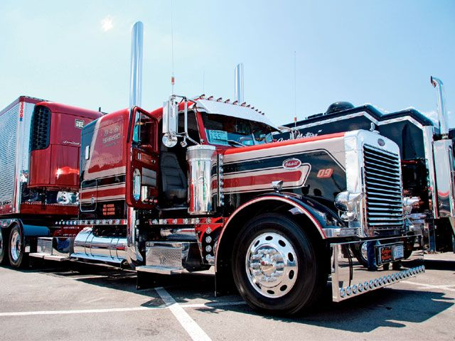 Pin By Allan Simpson On Bad Ass Trucks  Big Rig Trucks
