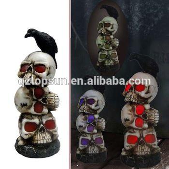 Resin skull Halloween decoration with corbie led solar light