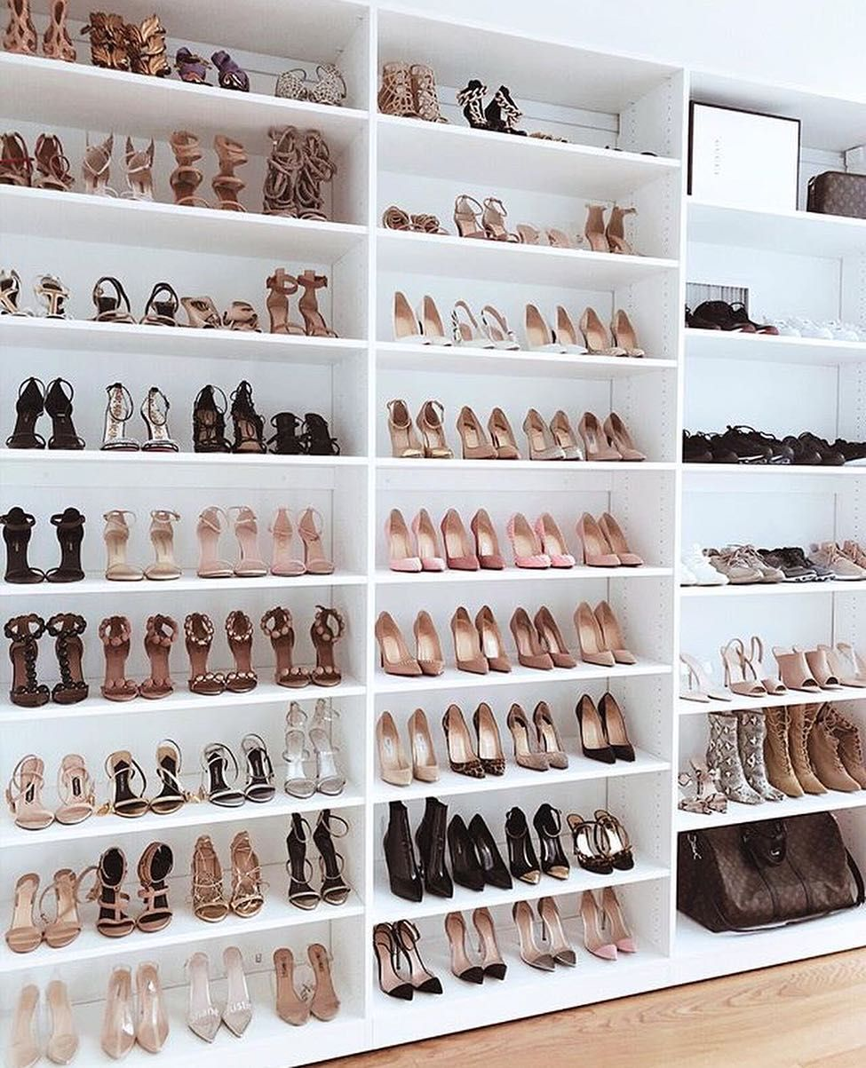 Closetroom Hashtag On Instagram Photos And Videos Idee Rangement Chaussure Dressing De Luxe Dressing Ouvert