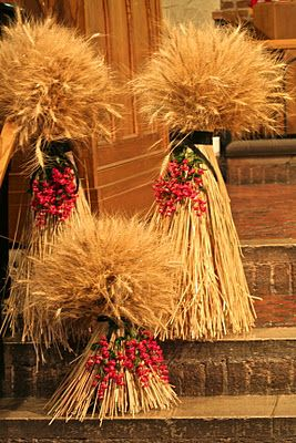 Pinkepost Com The Leading Pinke Post Site On The Net Fall Thanksgiving Wheat Centerpieces Fall Decor