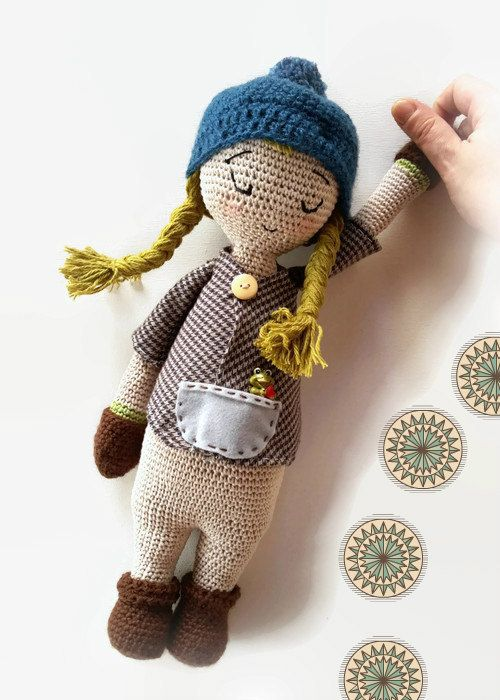 Free Pattern] This Adorable Waldorf Inspired Baby Doll Makes A ... | 700x500