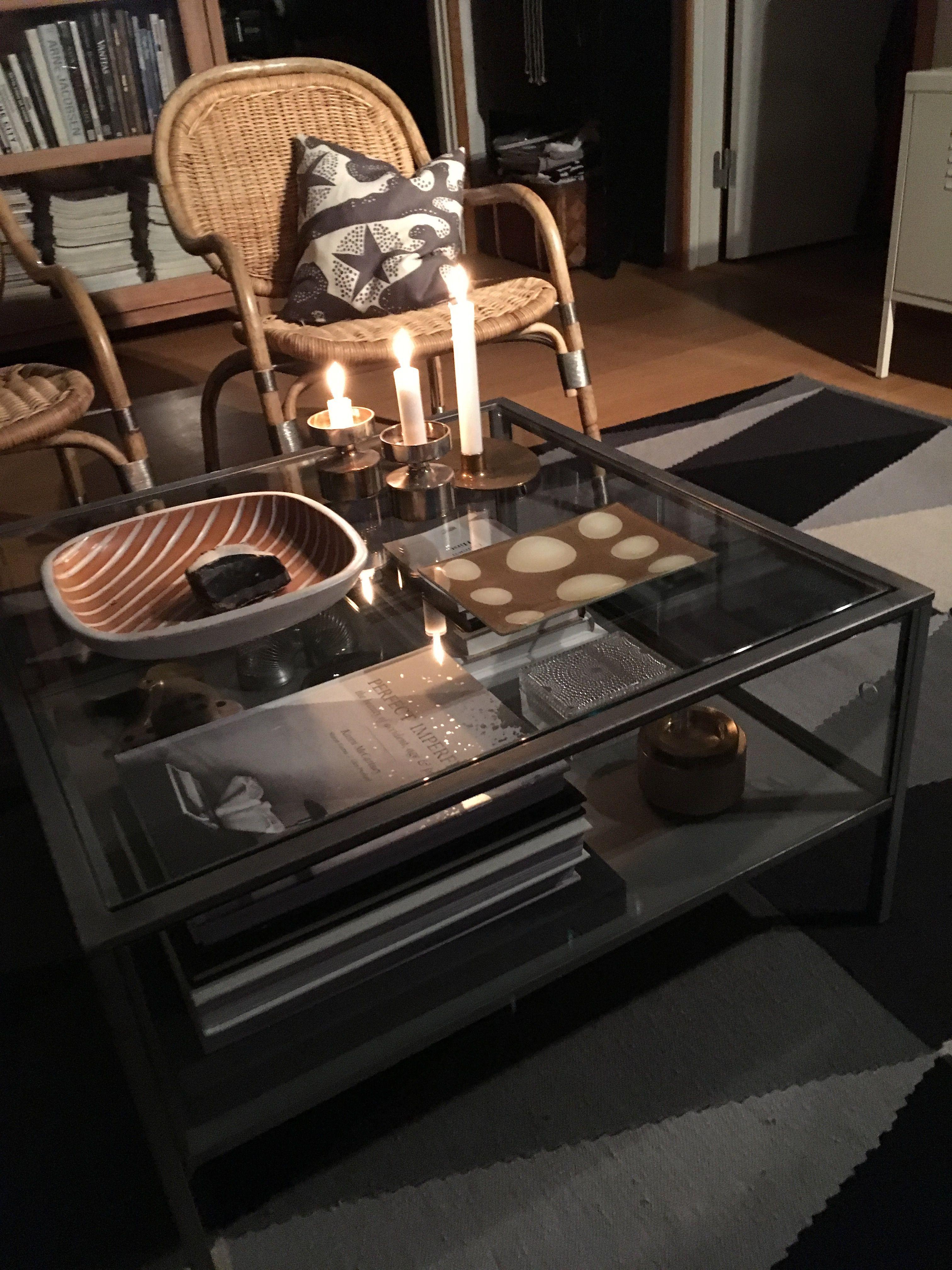 Sammanhang Table Ikea August 2018 Interieur Woonkamer Vitrinekast Tafel [ 4032 x 3024 Pixel ]