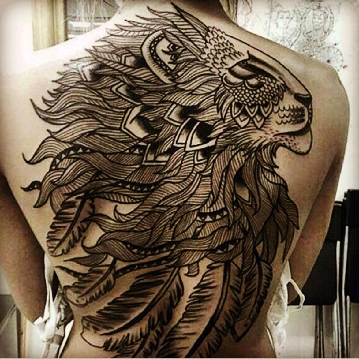 lion mandala fullback hot men great tattoo pinterest tattoo dragon tattoo arm and tatoos. Black Bedroom Furniture Sets. Home Design Ideas