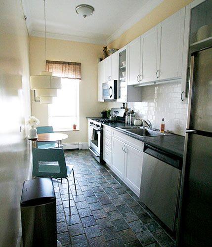 Cocinas estrechas y peque as inspiraci n de dise o de for Diseno de interiores cocinas pequenas