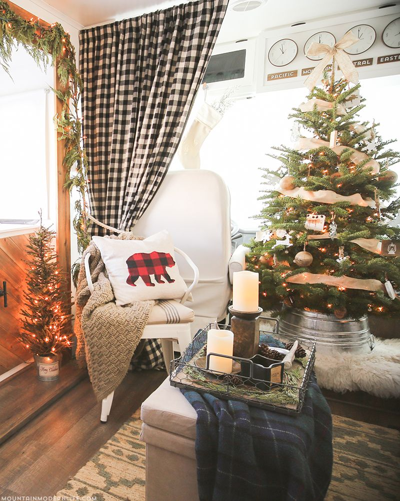 I Do Like The Washtub Idea Rv Christmas Home Tour Come See How We Decorated Our Tiny On Wheels For Holidays Mountainmodernlife