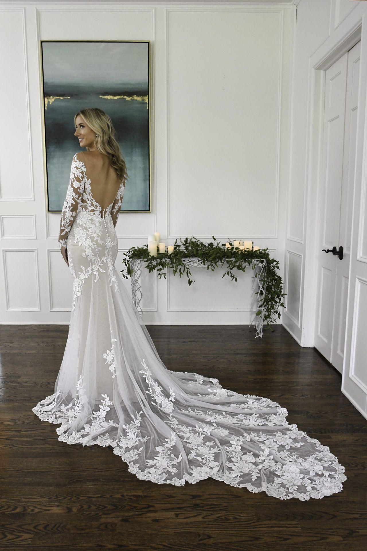 Low Back Floral Lace Wedding Dress With Long Sleeves Essense Of Australia Essense Of Australia Wedding Dresses Wedding Dresses Elegant Wedding Gowns [ 1920 x 1280 Pixel ]