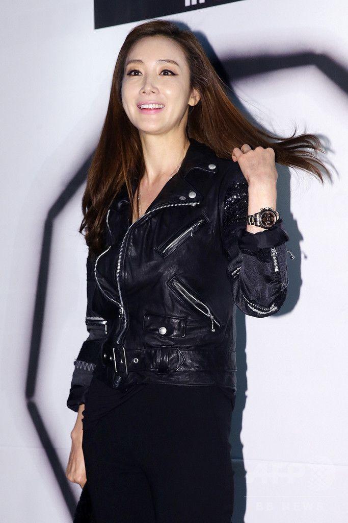 韓国・ソウル(Seoul)のクラブ・オクタゴン(OCTAGON)で行われた、ファッションブランド「NONAGON(ノナゴン)」発売記念イベントに臨む、女優のチェ・ジウ(Choi Ji-Woo、2014年9月11日撮影)。(c)STARNEWS ▼18Sep2014AFP|PSYやチェ・ジウ、「NONAGON」の発売記念イベントに出席 http://www.afpbb.com/articles/-/3026119 #Choi_Ji_Woo