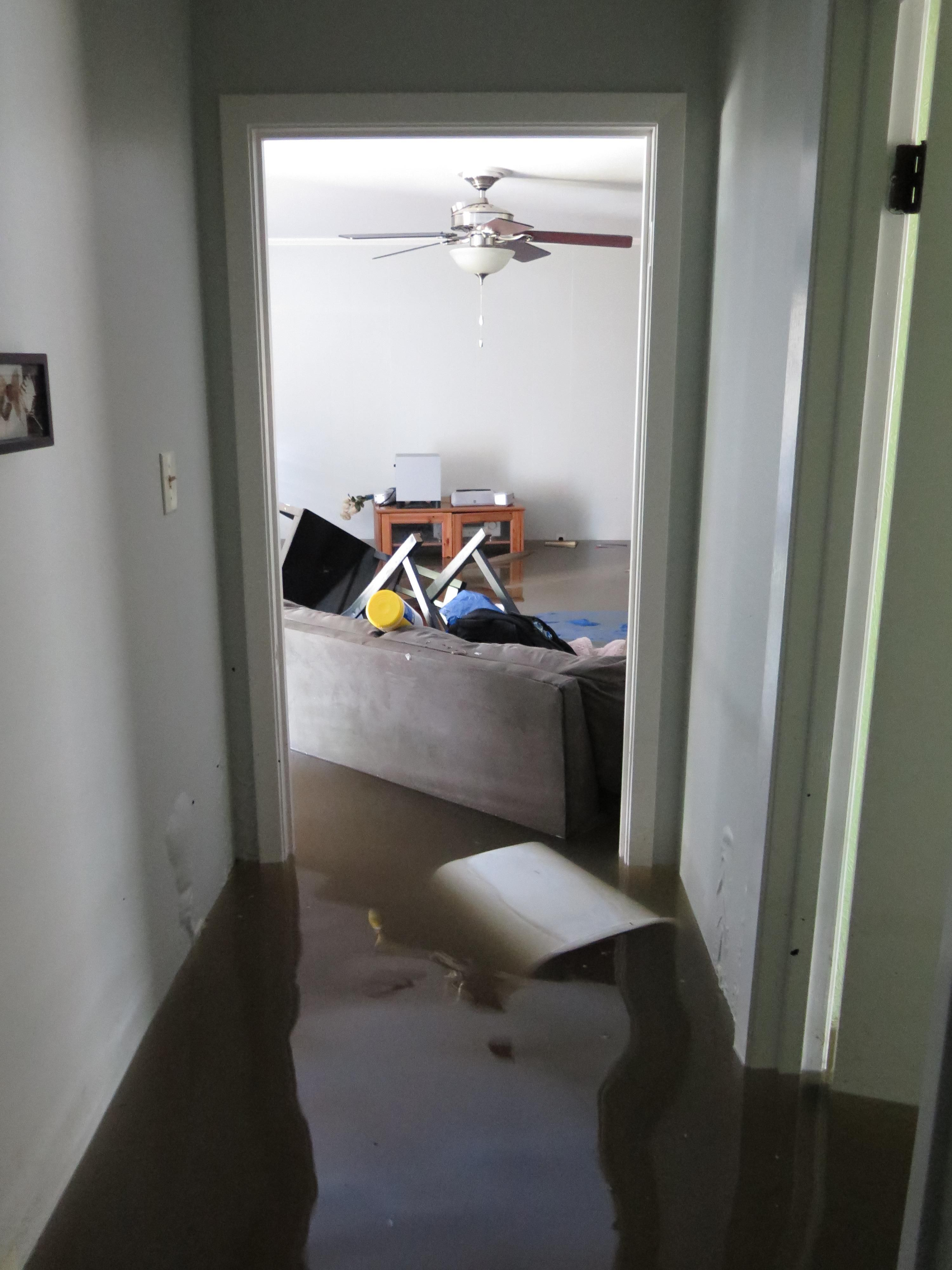 My House Was One Of Thousands That Flooded In Baton Rouge Last Week Here S Some Eerie Pictures From The Inside Http Ift Tt 2bfvhns House My House Flood