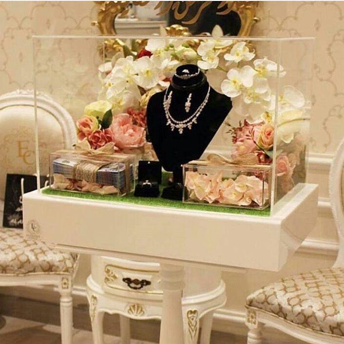 متجر ميلا لتجهيز دبش العروس Aaf 21 Instagram Media 2017 01 28 02 27 33 استاند شبكه Wedding Gifts Packaging Wedding Gifts Wedding Design Decoration