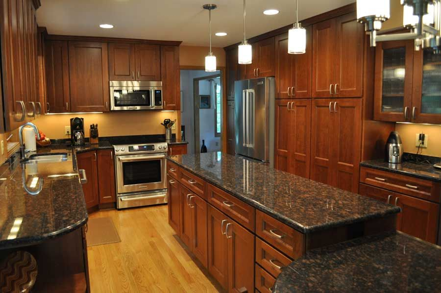 Black granite countertops with cherry cabinets for Kitchen ideas with black granite countertops
