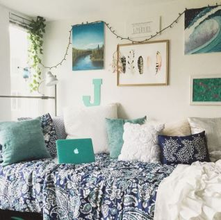 This Beach Style Dorm Room Decor Is So Cute