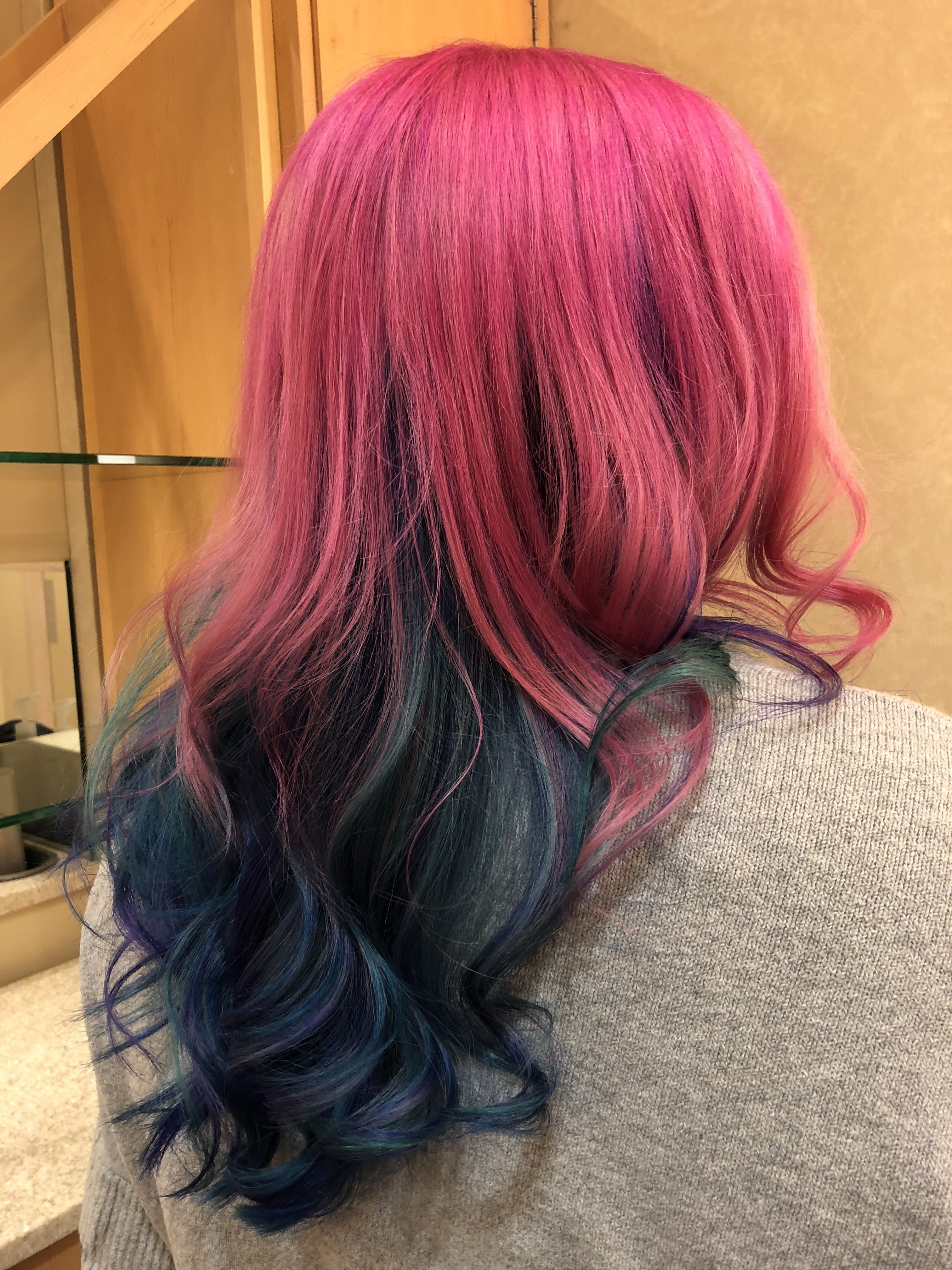 Absolutely fashion color application