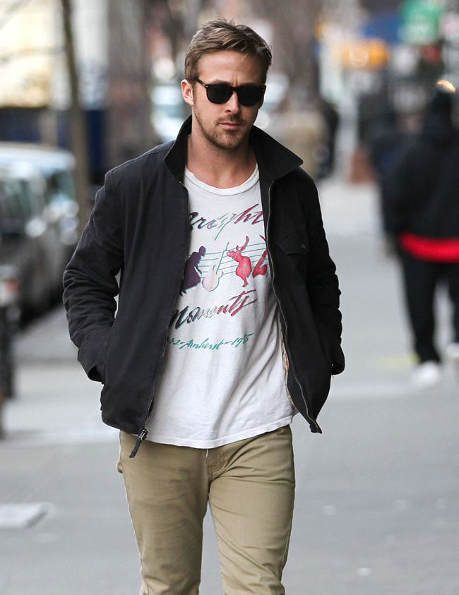 51ff7a2073 What every 18 - 45 50 year old man can wear casually - Note Ryan Gosling is  not wearing cargo pants but fitted trousers with a simple t shirt. He makes  the ...