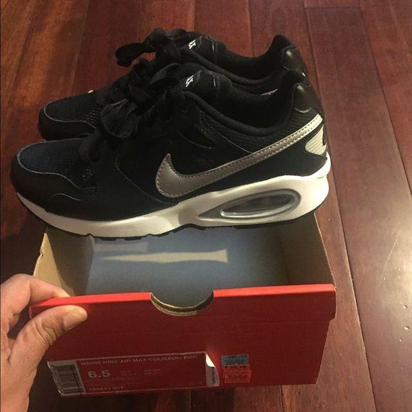 online store fcc72 69b1d Womens Nike Air max coliseum Womens size 6.5. Runs on big fits a 7 if