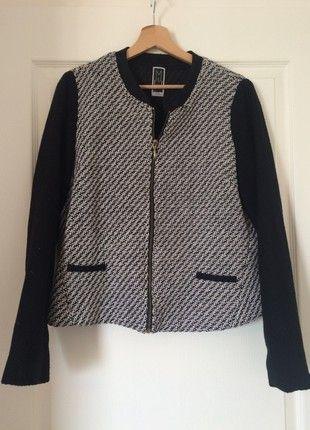 À vendre sur  vintedfrance ! http   www.vinted.fr mode-femmes vestes ... c522c12f0461