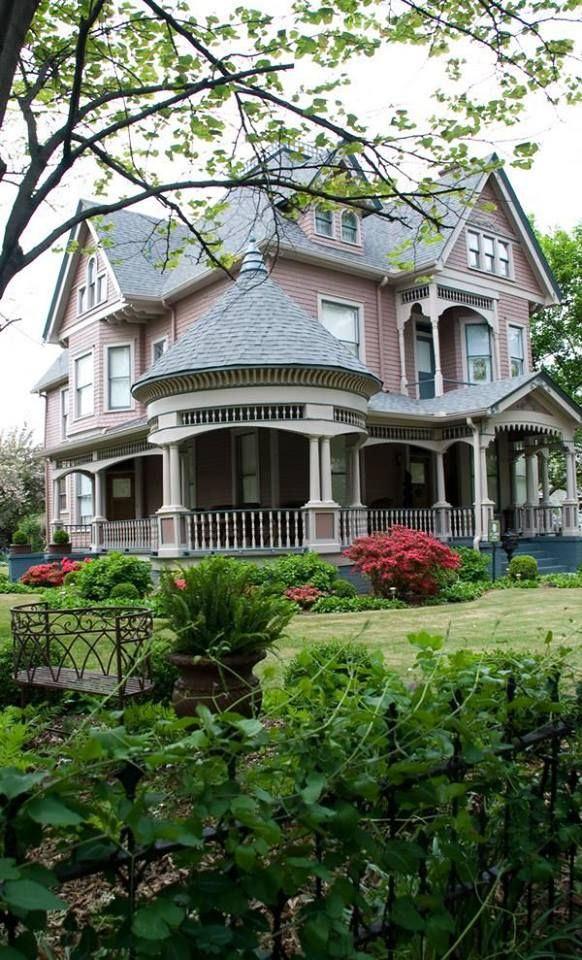 A Fairytale Home In Alabama Fairytale Storybook Homes Pinterest