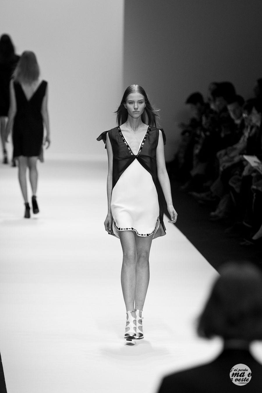 #Paris Fashion week #VanessaBruno  #streetstyle #jpmv #fashion www.nabilequenum.com