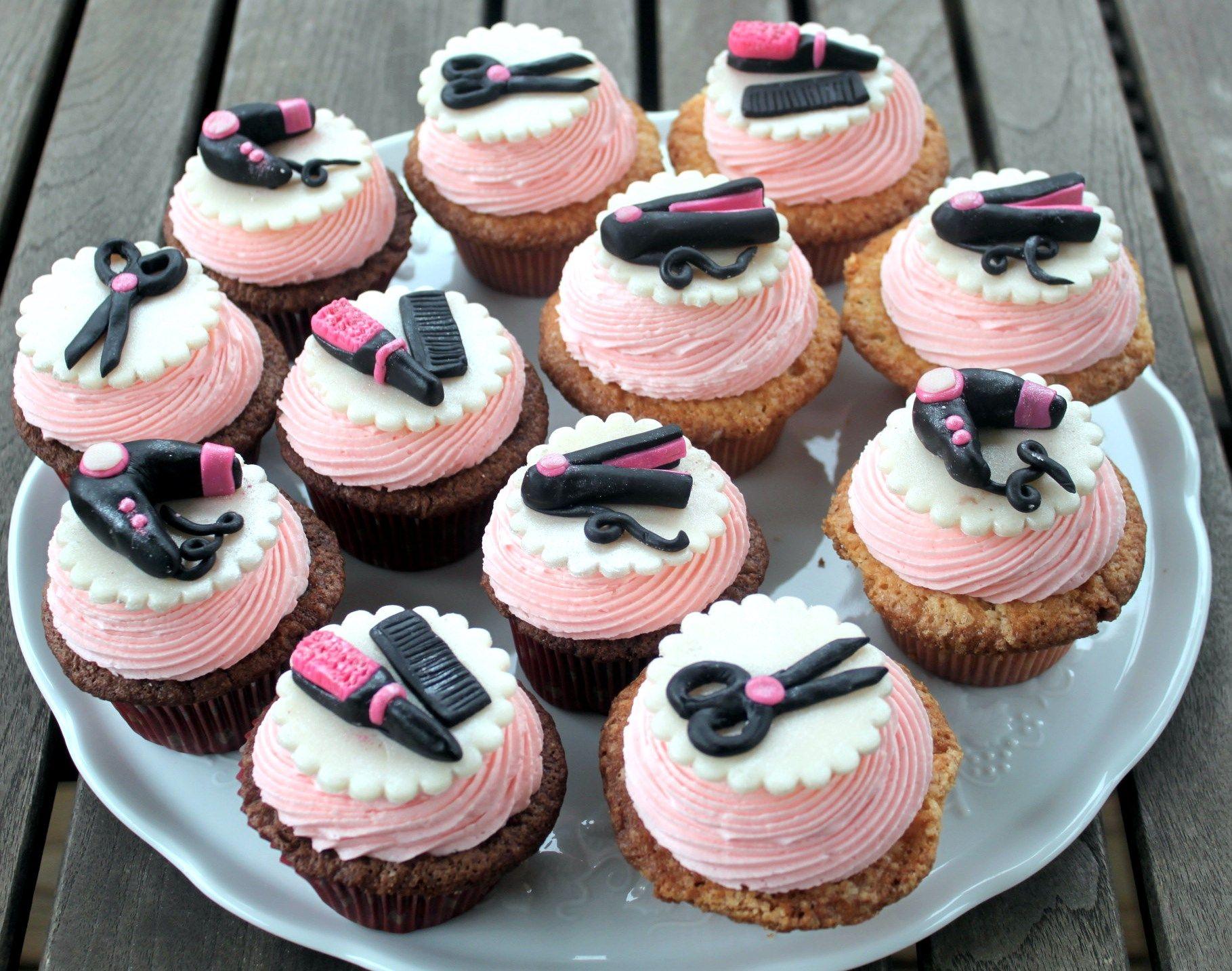 Cake Pops Hairdresser Cupcakes