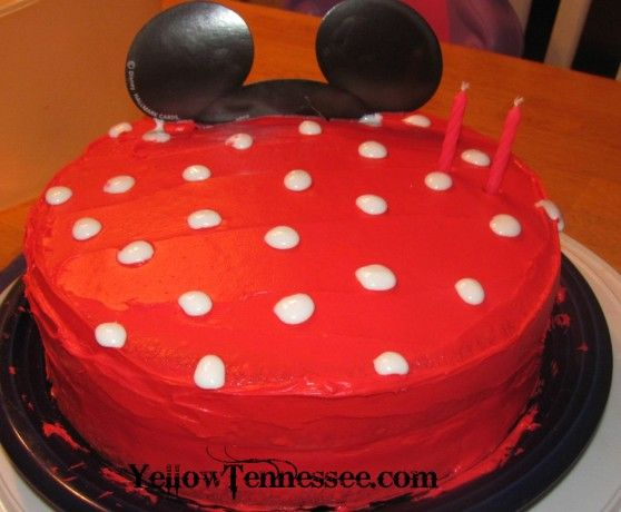 How to make a Polka Dot Minne Mouse Birthday Cake recipe Polka