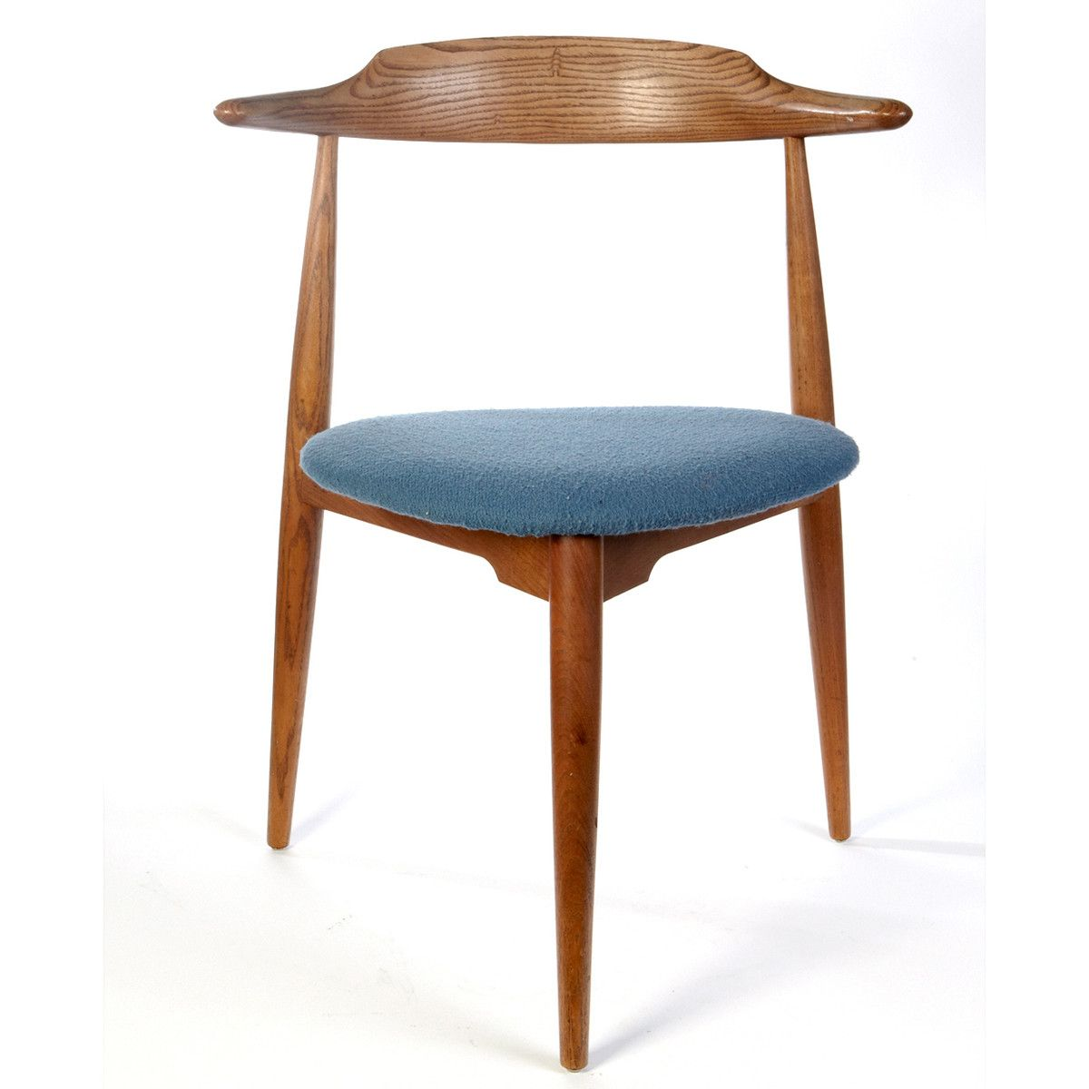 3 Legged Chair Magenta Sashes 1960 39s Designed By Hans Wegner Live