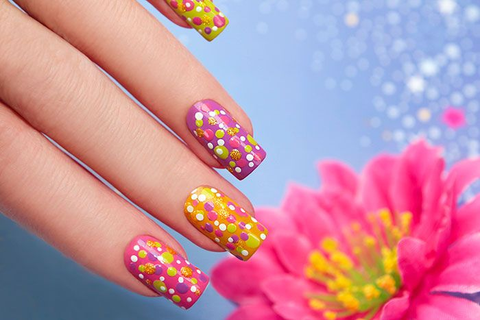 Impressive nail art latest trends funpal studio art artist here comes one of the easiest nail art design ideas for beginners dots look simple and elegant and you can also play around with the colors solutioingenieria Image collections