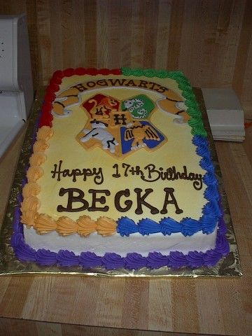 Becka S 17th Harry Potter Cake Featuring The Hogwarts Crest Harry Potter Birthday Cake Harry Potter Desserts Harry Potter Cake