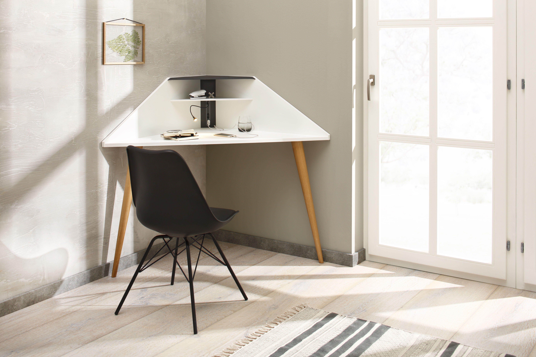 Eckretar In Weiss Mit Zwei Beinen An Die Wand Gelehnt Schreibtische Fur Kleine Raume Schreibtisch Fur Schlafzimmer Eckschreibtisch