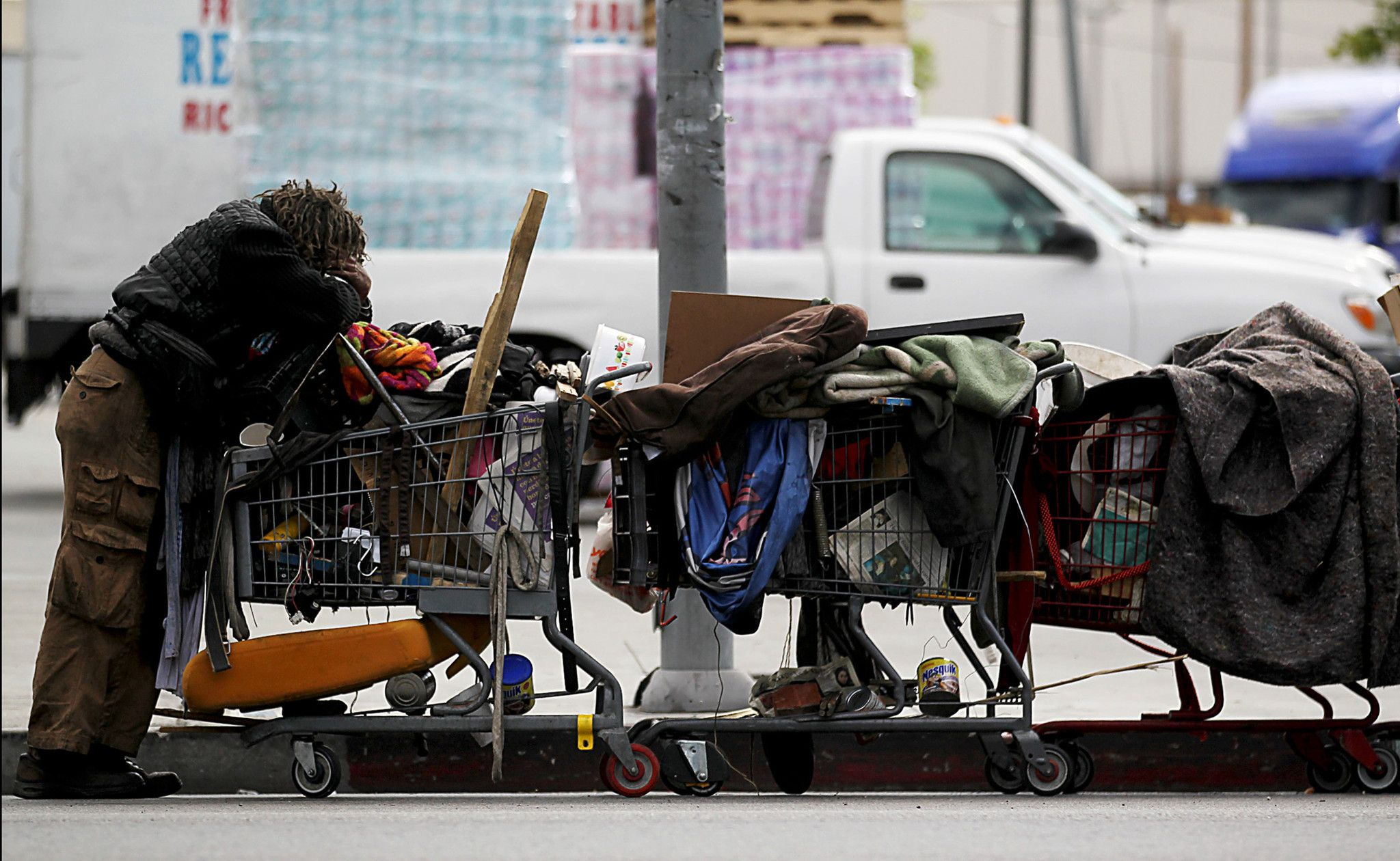 Los Angeles Inner City People Google Search Homeless People Homeless Person Homeless