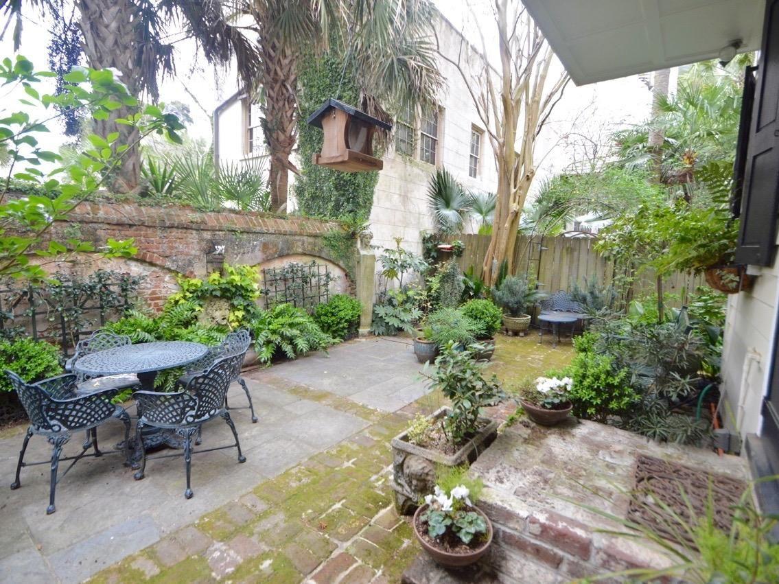 Image Result For Charleston Sc Garden Design Charleston Gardens Garden Design Garden Fountains