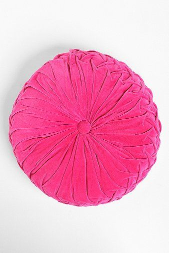 pink tufted pillow!