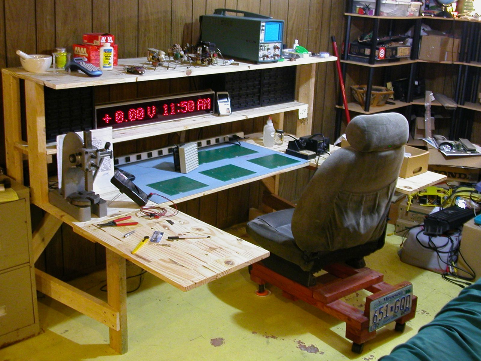 Funny Workbench For Electronics
