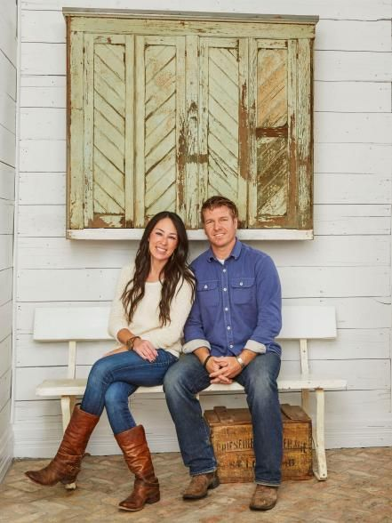 17 ways to decorate like chip and joanna gaines favorite places spaces pinterest haus. Black Bedroom Furniture Sets. Home Design Ideas