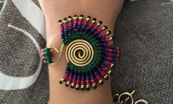 Macrame bracelet by elDulcedeleche on Etsy
