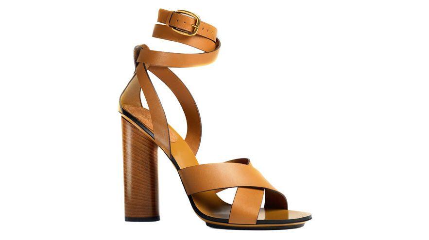 Gucci les chaussures mode de la saison printemps ete 2015 http://www.vogue.fr/mode/shopping/diaporama/les-30-chaussures-mode-de-la-saison-printemps-ete-2015/21847/image/1131500#!gucci-les-chaussures-mode-de-la-saison-printemps-ete-2015