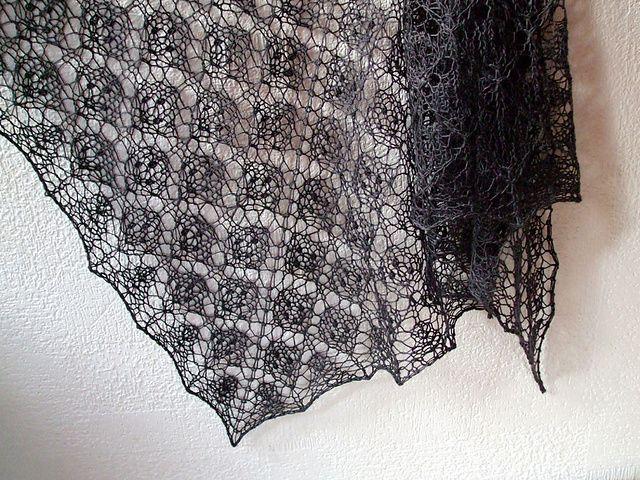 A Leaf in a Leaf by Mabel Teoh free pattern