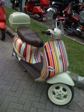 Modern Vespa Stripes Motorbike Vespa Vespa Et4 Vespa
