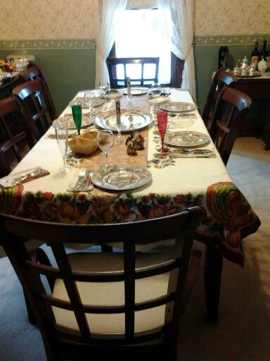 Pre thanksgiving table