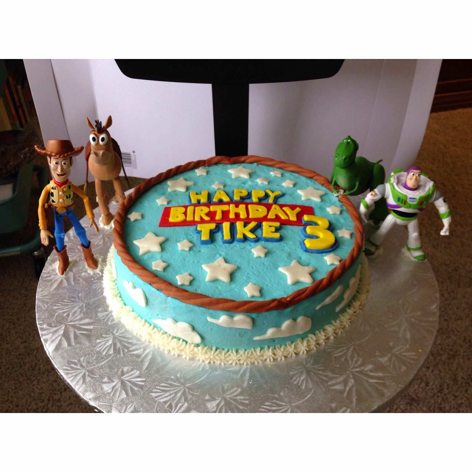 Sensational Easy Toy Story Cake Cakepins Com With Images Toy Story Personalised Birthday Cards Fashionlily Jamesorg