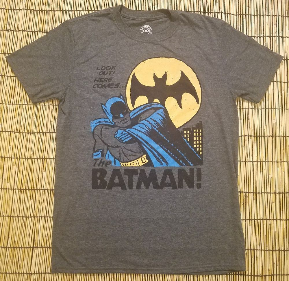 https://t.co/7BqsyUjVNz #DCCOMICS DC Comics Batman TV Show Look Out! Here Comes...Men's Gray Graphic Shirt Medium https://t.co/f07uEte6yS