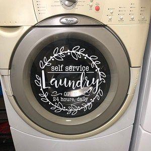 Waschküche Dekor SelfServiceWäsche flaum und Falten