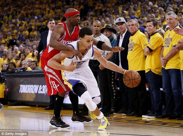 Curry drives past Houston Rockets' Jason Terry during the fourth quarter at the ORACLE Are...