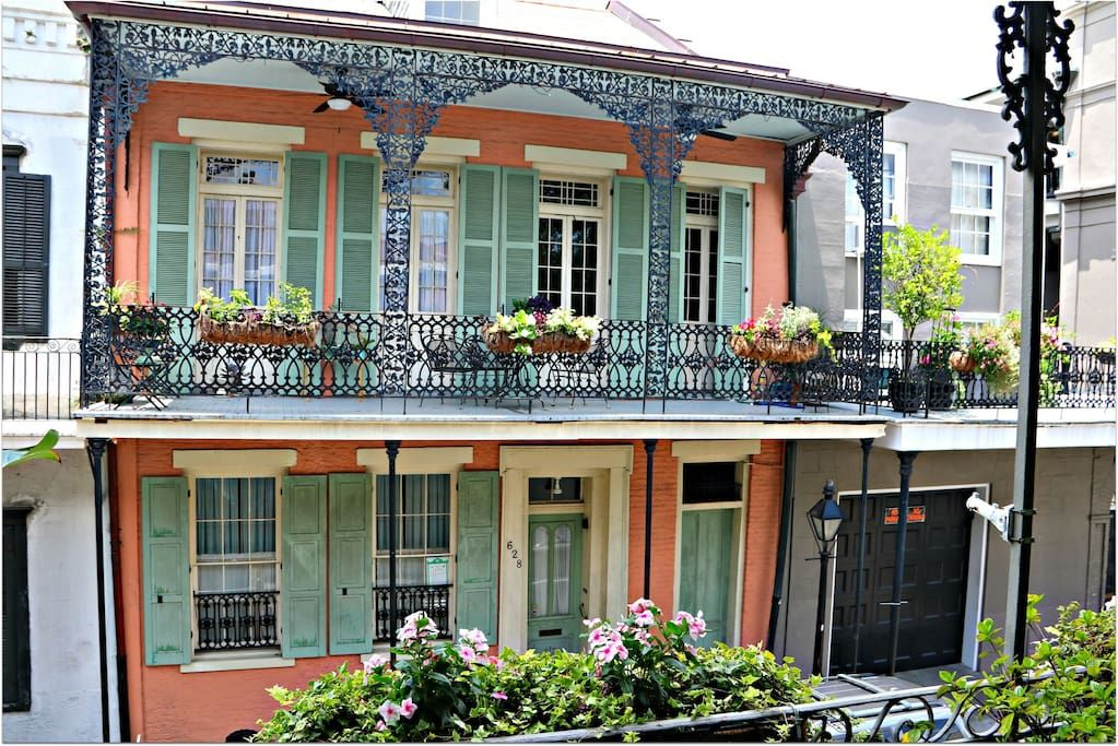 Stunning Balcony Apartment French Quarter Apartments For Rent